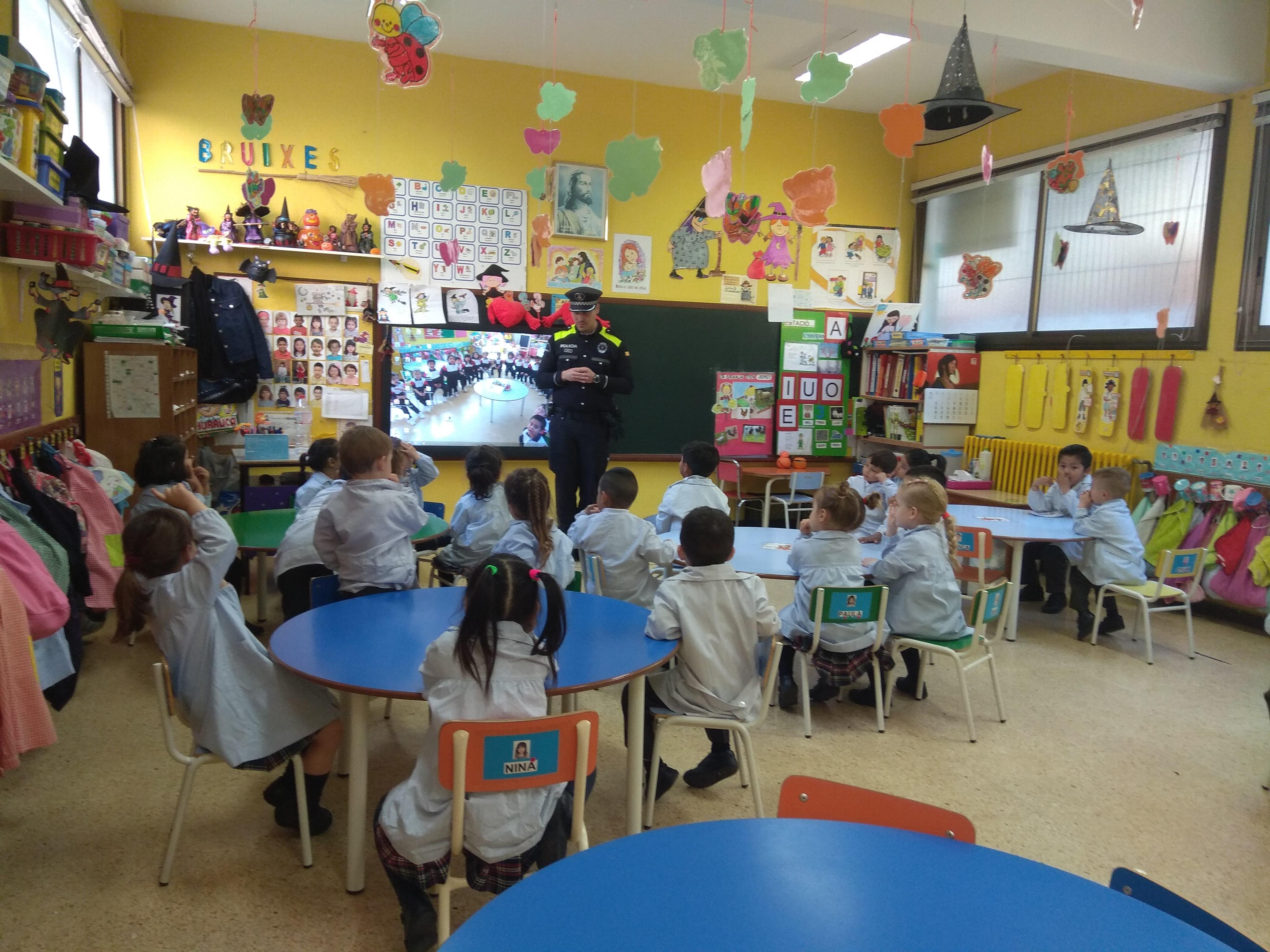 Educació Infatntil st Josep obrer Hospitalet Guàrdia urbana (7)